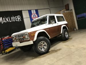 1977 Ford Bronco Brown White
