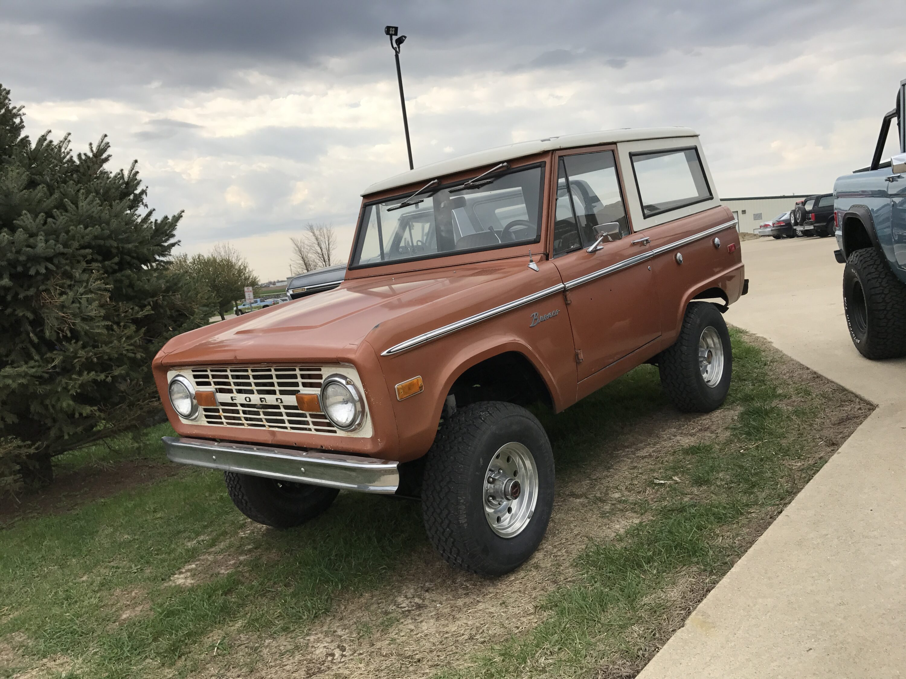 1973 Ford Bronco Hot Ginger Metallic LUBR