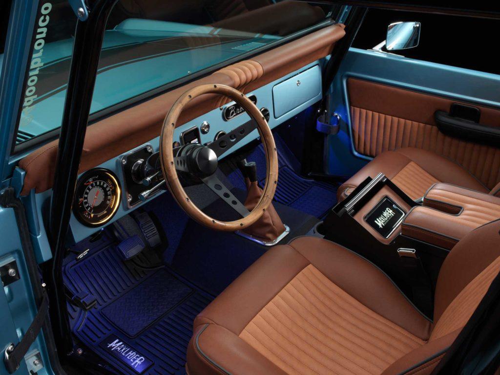 SteeringWheelDash_10023